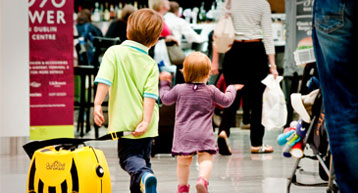 Passenger with children travelling through Dublin Airport